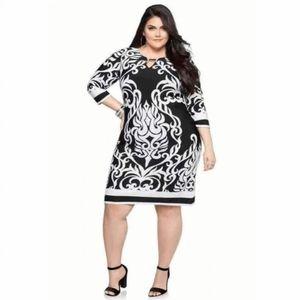 HAANI Tribal Print Half Sleeve Dress Black Wte 2X